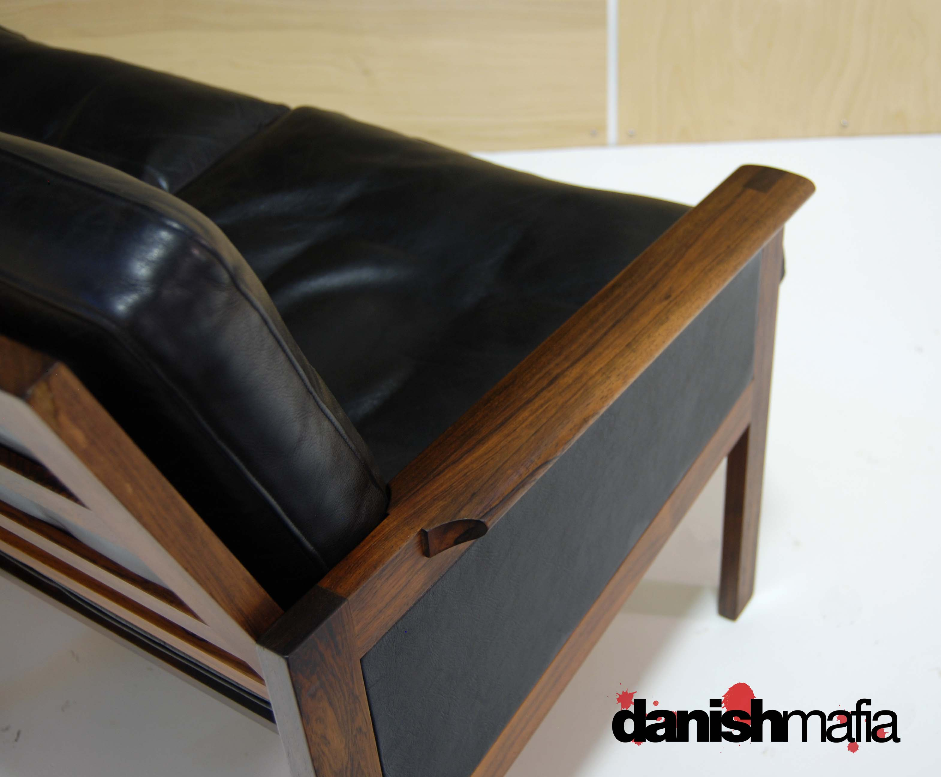 MID CENTURY DANISH MODERN ROSEWOOD Wikkelso Sofa Couch Settee