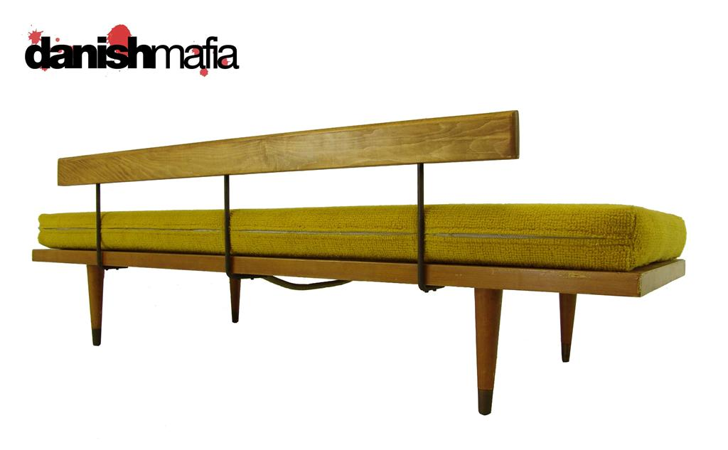 Vintage mid century modern sofa couch daybed day bed nr for Mid century modern day bed