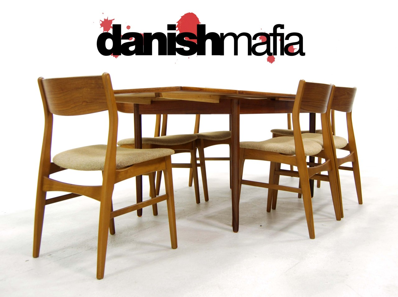 Mid century danish modern teak dining table chair set for Danish modern dining room table