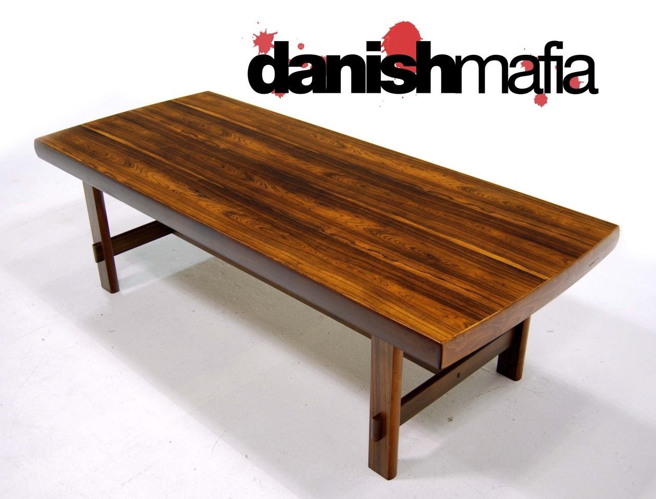 MID CENTURY DANISH MODERN JOAHHNES ANDERSEN ROSEWOOD COFFEE TABLE