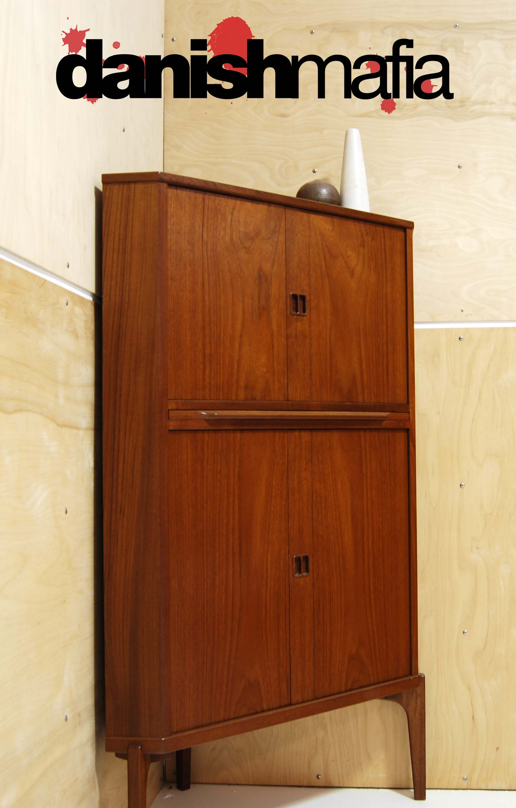 Scandinavian Teak Bedroom Furniture Mid Century Danish Modern Teak Corner Cabinet Hutch Bar Danish Mafia