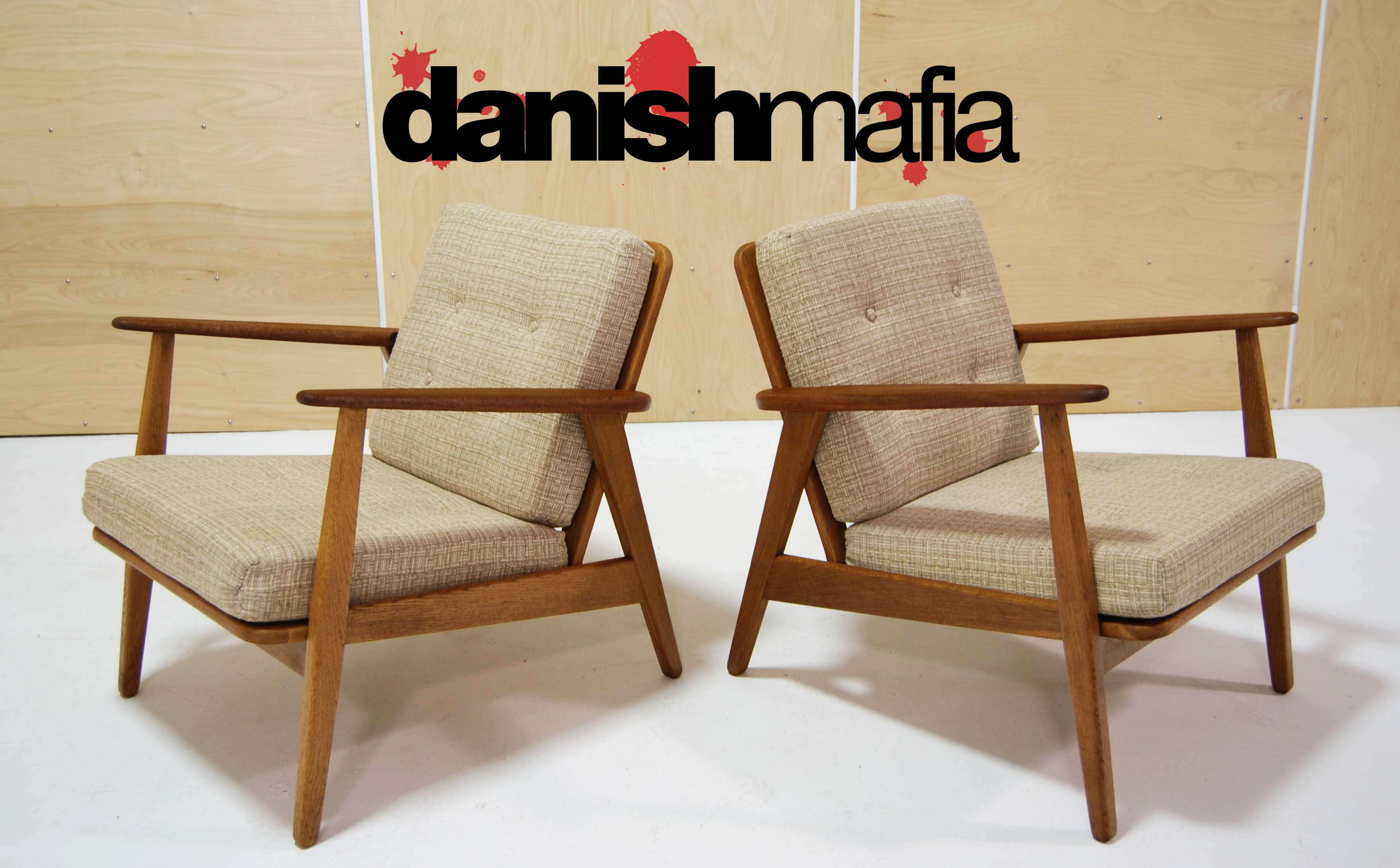 Mid century danish modern wegner lounge chairs eames for Mid century modern seating