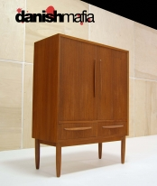 DANISH MODERN TEAK TALL HIGH BOY DRESSER GENTLEMANS CHEST