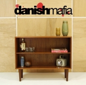 MID CENTURY DANISH MODERN TEAK DISPLAY CABINET BOOK SHELF CREDENZA SIDEBOARD