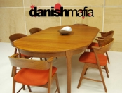 MID CENTURY DANISH MODERN OVAL TEAK DINING TABLE w/ 2 LEAVES